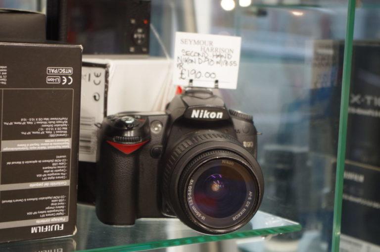 Nikon D90 Inc 18-55mm lens